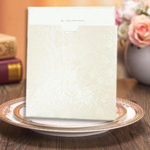 10 DANDY WHITE BRODERIE Square Wallet